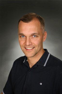 Porträttfoto av Anton Åkerström