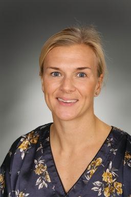 Porträttfoto av Caroline Hellström