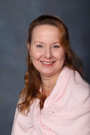 Porträttfoto av Helen Januss-Stjernkvist