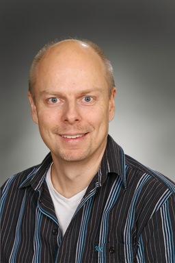Porträttfoto av Mattias Lindström