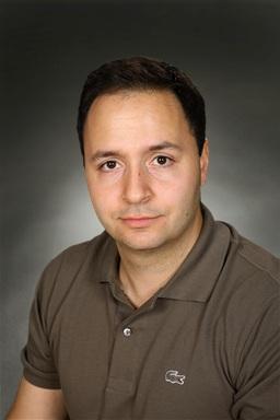 Porträttfoto av Serdar Savas